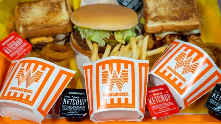 Whataburger breakfast hours